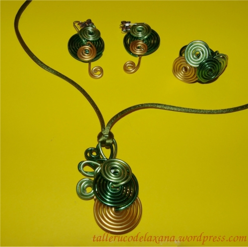 Conjunto bisuteria alambrismo aluminio verde-dorado 4